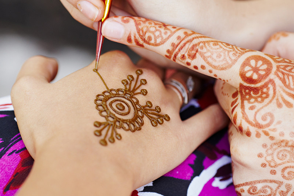 Henna Tattoo Uk: £25,000 Compensation For Young Lady Scarred By Henna
